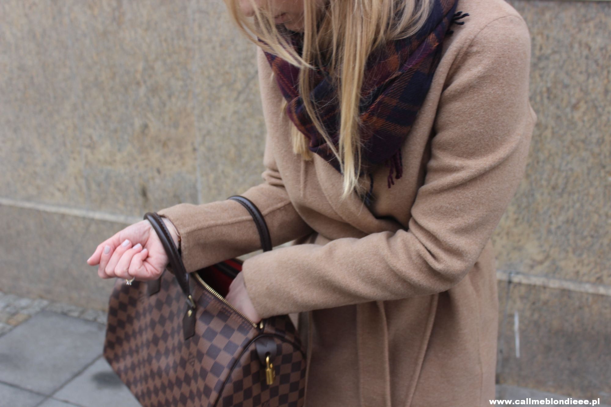 OOTD Camel Coat & Burgundy Jeans 6