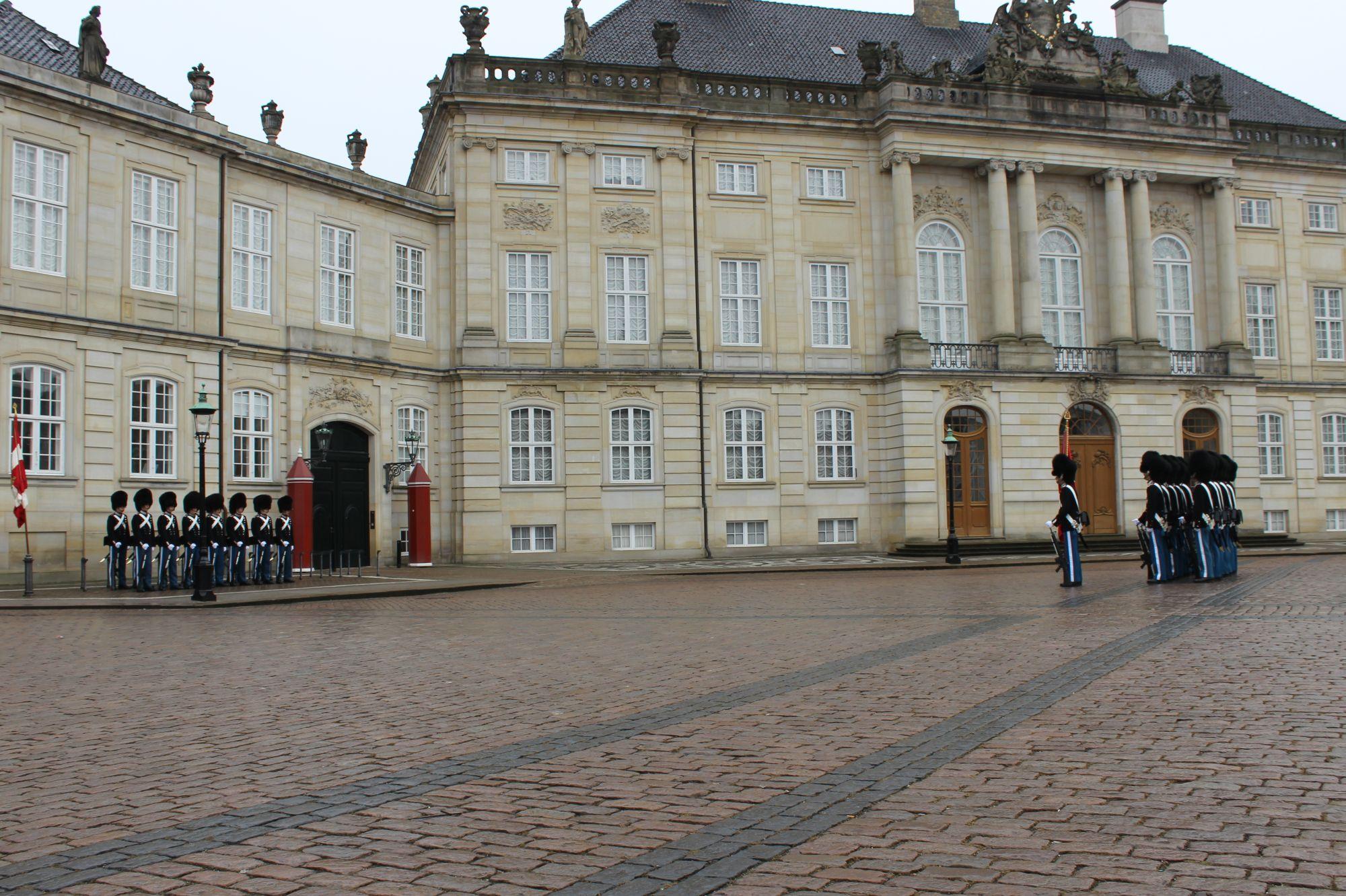 Amalienborg 6