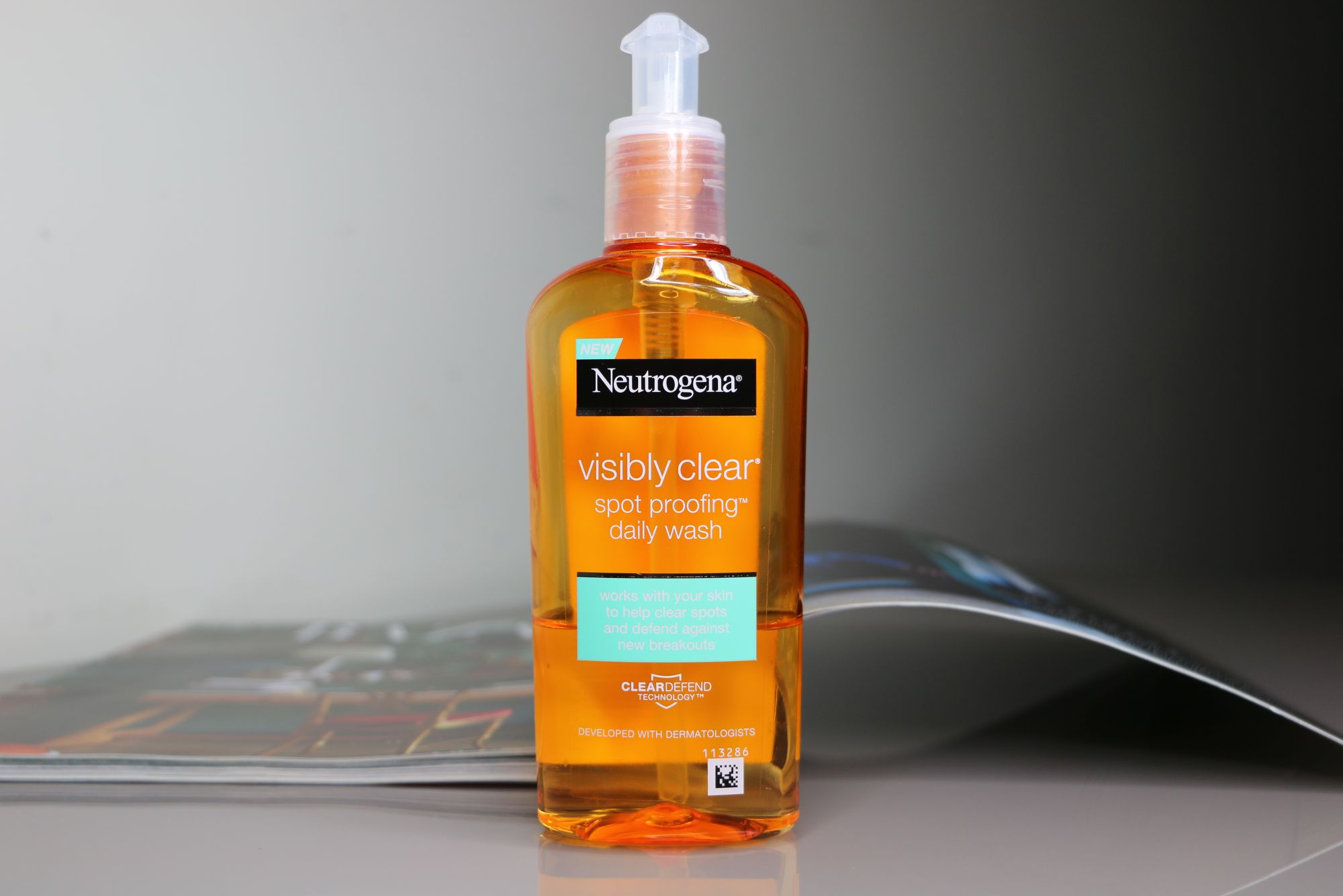 TOP 5 SKINCARE PRODUCTS - Neutrogena Visibly Clear Daily Wash