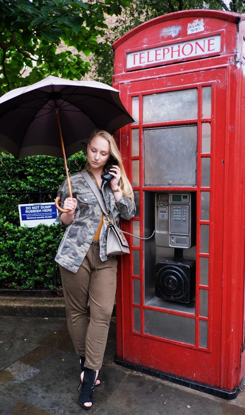 LONDON CALLING 024